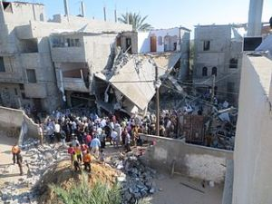 The_home_of_the_Kware'_family,_after_it_was_bombed_by_the_military